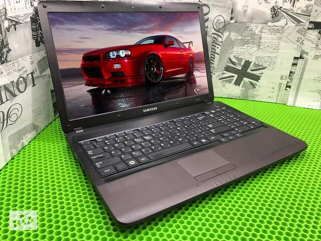 Продам красивый,игровой ноутбук Samsung R540
