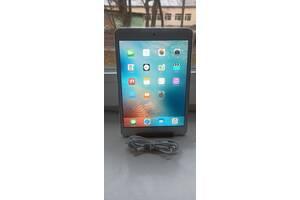 Продам планшет Apple iPad mini, with Wi-Fi! 16gb! ICloud чистый!