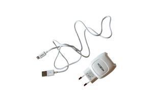 Сетевое зарядное устройство для телефона/планшета MOXOM KH 69 Apple 5V/2A/2USB / Зарядка