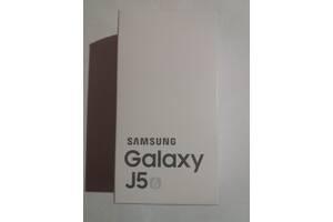 Телефон Samsung Galaxy J 5