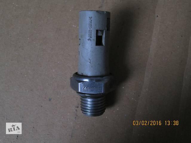 купить бу Датчик давления масла для Renault 2003 1.9 DCI F9K в Николаеве