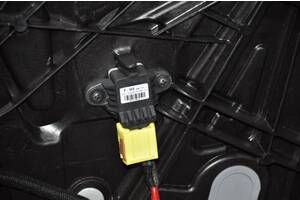 Датчик подушки безопасности дверь прав Kia Forte 4d 14-18 95920-0U000 разборка Алето Авто запчасти Киа Форте