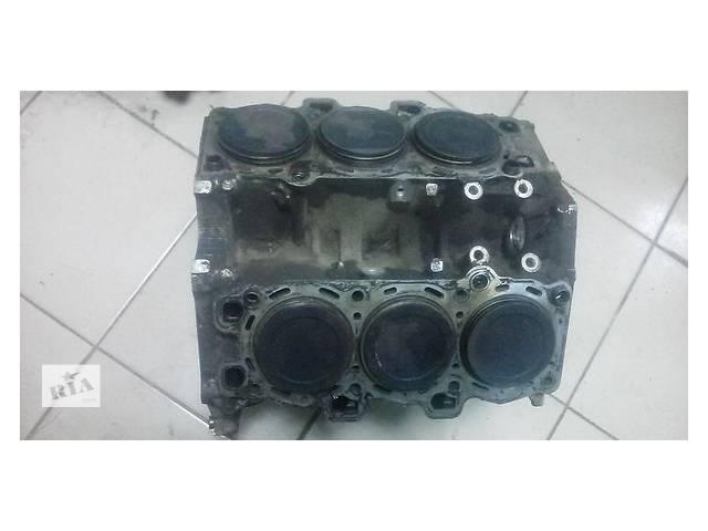 купить бу Детали двигателя Блок двигателя Hyundai Santa FE 2.7 в Ужгороде