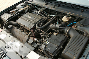 б/у Генераторы/щетки Peugeot 605
