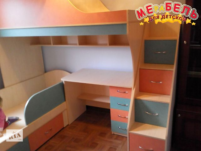 купить бу Детская двухъярусная кровать с рабочей зоной и лестницей-комодом (ал14) Merabel в Харькове
