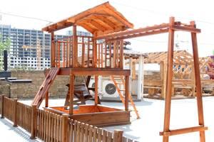 Детский деревянный игровой домик, площадка и комплекс