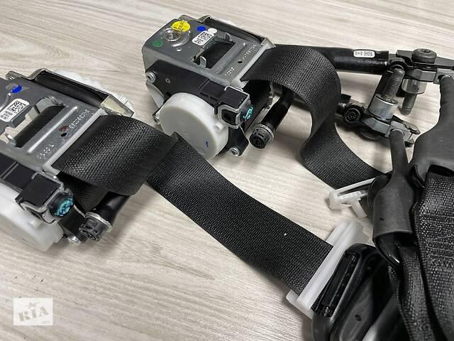 бу Dodge ram 1500 2020 панель ремни перед комплект направление - б/у в Львове