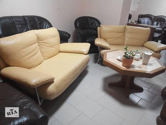 продам Два современных кожаных дивана бу в Львове