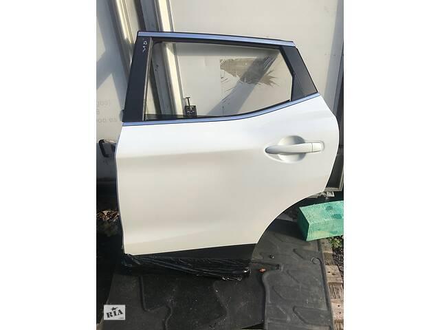 купить бу Двері задня для Nissan Qashqai J11 2013-2020 ПІД ЗАМОВЛЕННЯ  в Україні