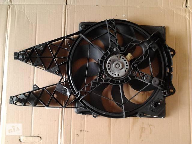 купить бу Диффузор с вентилятором Фиат Добло 1.3 Мультиджет Fiat Doblо New Новый кузов 2010-2014 в Ровно