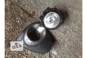 б/у Фары противотуманные Toyota Avensis