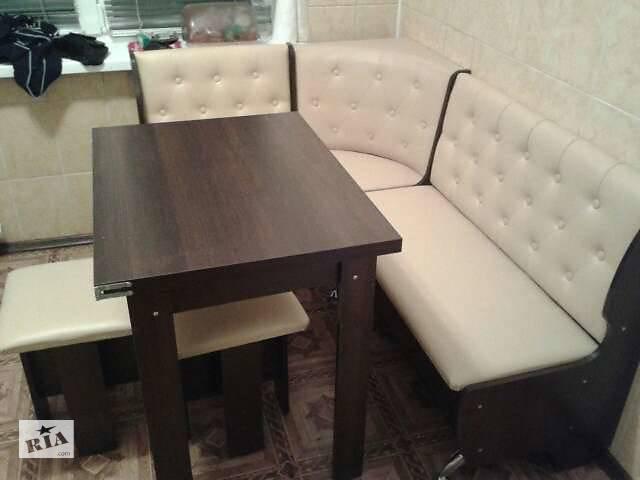 купить бу Кухонный уголок Адмирал угловой диван, раскладной стол и 2 табурета в Киеве