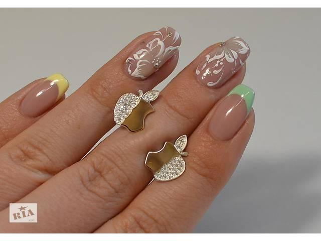 продам Серьги-гвоздики из серебра с золотыми вставками бу в Одессе