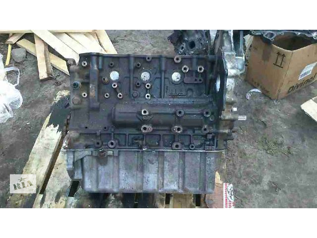 купить бу Головка блока для Renault Master 2006 в Березному (Ровенской обл.)