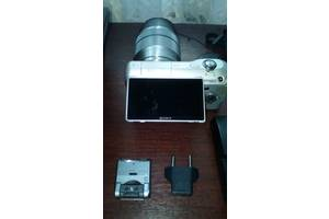 б/в Цифрові фотоапарати Sony NEX-3D 16mm + 18-55mm