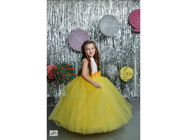 купить бу ПРОКАТ.Красивые детские платья, универсальные, шикарные платья. в Запорожье
