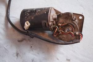 Б/у моторчик стеклоочистителя для Mercedes 308 1995рв на мерседес 308 оригинал проверено на авто гарантия что добрый