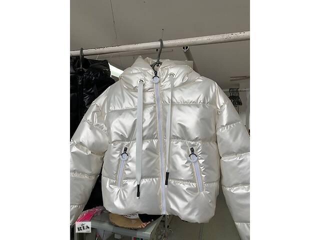Стильная короткая демисезонная куртка