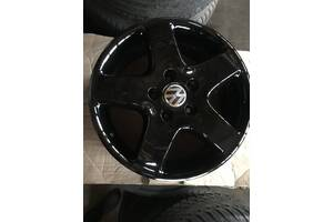 Продам комплект оригинальных дисков R17 на VW T5