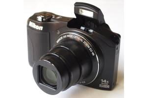 б/в Напівпрофесійні фотоапарати Nikon