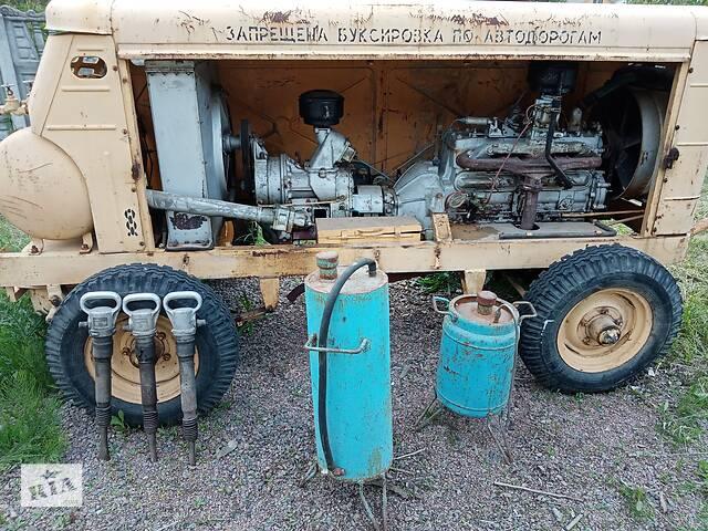 Винтовой компрессор ЗИФ-55, в комплекте пескоструй и шланги и отбойные молотки