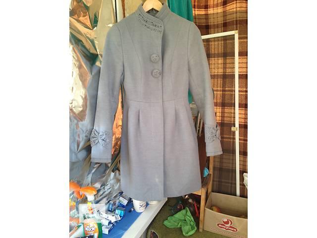 купить бу Кашемировое пальто в очень хорошем состоянии. 44 размер в Виннице