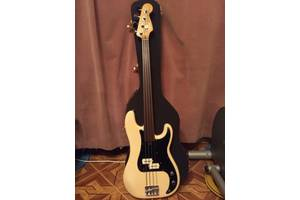 Fender precision bass fretles 79 US бас гитара