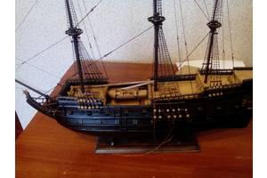 Модель старовинниго парусного судна.