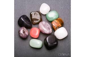 Набір самоцвітів з натурального каменю.