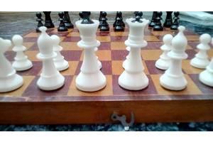 Шахматы настольные 1962 год. доска 37 на 37 см ЖМК