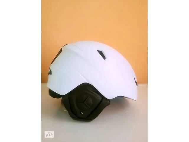 бу Шлем горнолыжный новый и защитные жилеты!!! в Косове