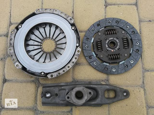 бу Комплект б/у: корзина, диск сцепления и выжимной подшипник с вилкой на Mitsubishi Colt VI 1,3 автомат/робот 2004-2012 в Виннице