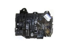 Коробка для аккумулятора Chrysler 200 '15-; Dodge Caliber '07 (Signeda) 68186053AC