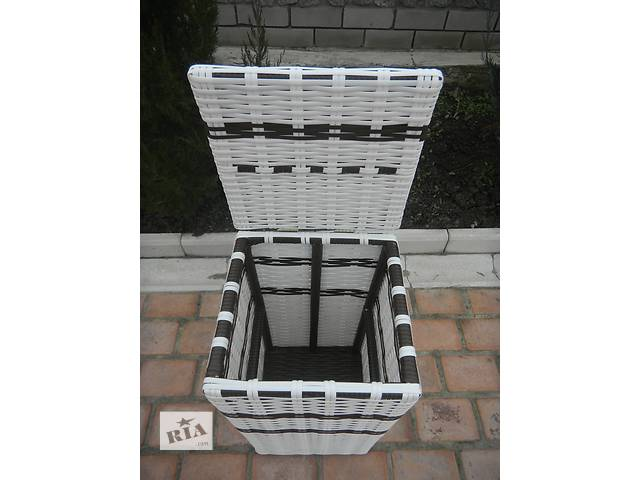 продам Корзина для белья плетеная искусственным ротангом бу в Харькове