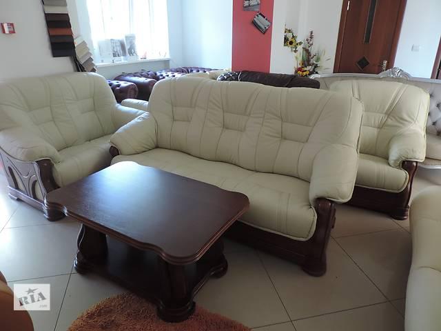 купить бу кожаный уголок, кожаный комплект диван3+диван2+кресло + стол в Дрогобыче