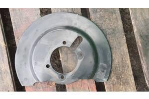 Кожух пыльник тормозного диска задний левый Dodge Journey 11-