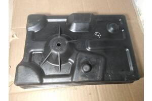 Крепление (подставка) аккумулятора Mazda 626 GF (1997-1999)