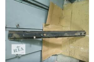 б/у Кронштейны крепления радиатора Renault Trafic