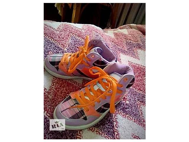 продам кроссовки для девочки бу в Тернополе