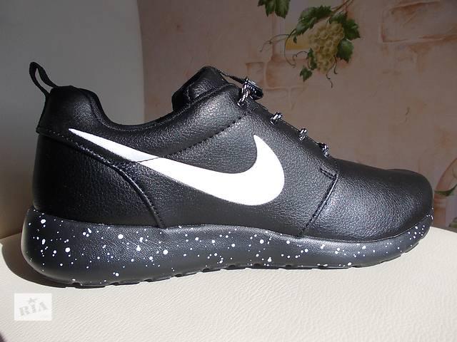 продам Кроссовки кожа Adidas Reebok Nike Roshe Run Cosmos кожа бу в Полтаве