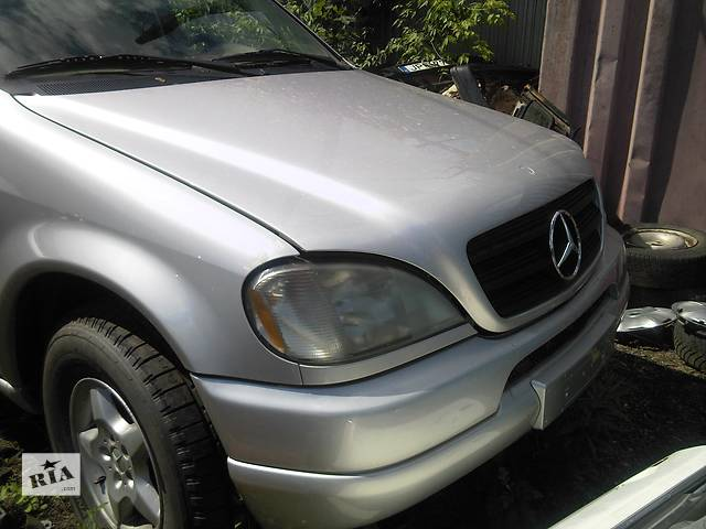 бу  Крыло переднее для легкового авто Mercedes ML-Class в Ужгороде
