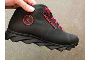 б/в чоловічі черевики і напівчеревики