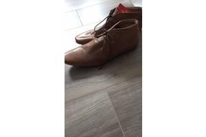чоловічі черевики і напівчеревики
