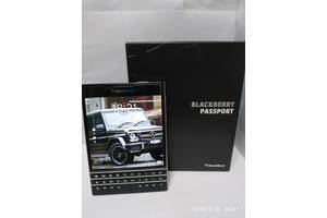 б/в Мобільні з QWERTY-клавіатурою BlackBerry