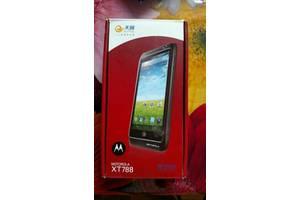 б/у Мобильные на две СИМ-карты Motorola