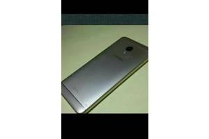 б/в Мобільні на дві СІМ-карти Meizu