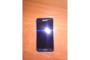 б/у Сенсорные мобильные телефоны Samsung Samsung Galaxy J1 SM-J110H/DS