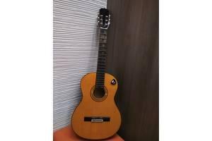 б/у Классические гитары Aria