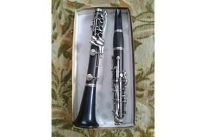 б/в Музичні інструменти