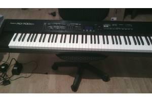 б/в Музичні інструменти Roland